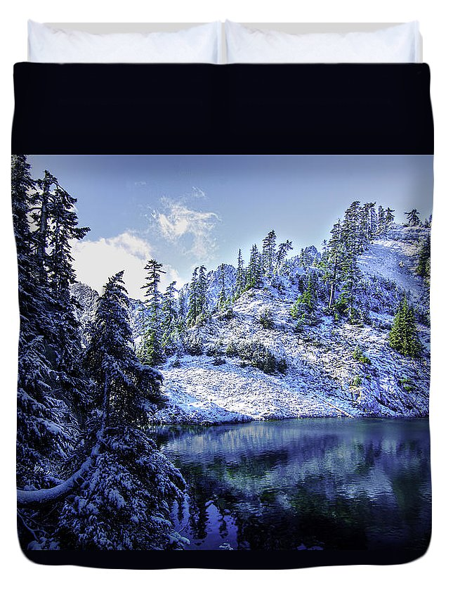 Alpine Lakes Wilderness Duvet Cover featuring the photograph Shrine by Ryan McGinnis