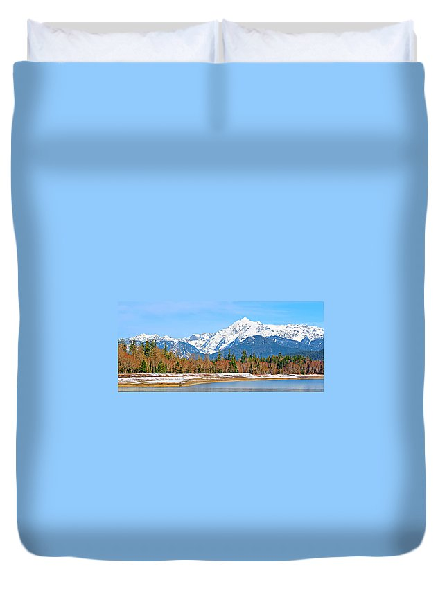 Alpine Duvet Cover featuring the photograph Shuksan by Paul Fell