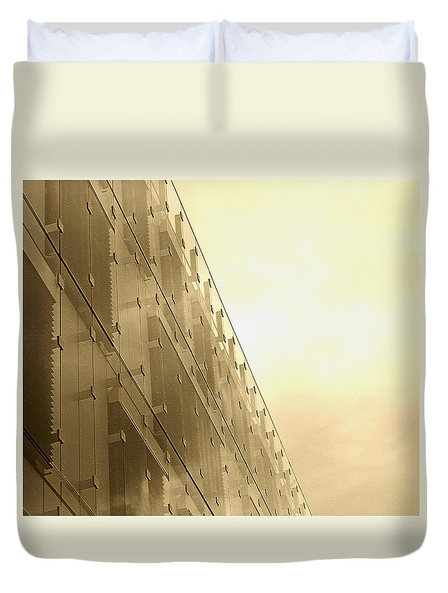 Baltimore Duvet Cover featuring the photograph Side View Modern Glass Building In Baltimore by Donna Haggerty