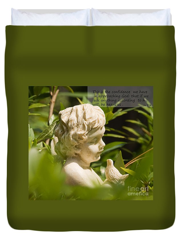Garden Duvet Cover featuring the photograph Silent Confidence by Sandra Clark
