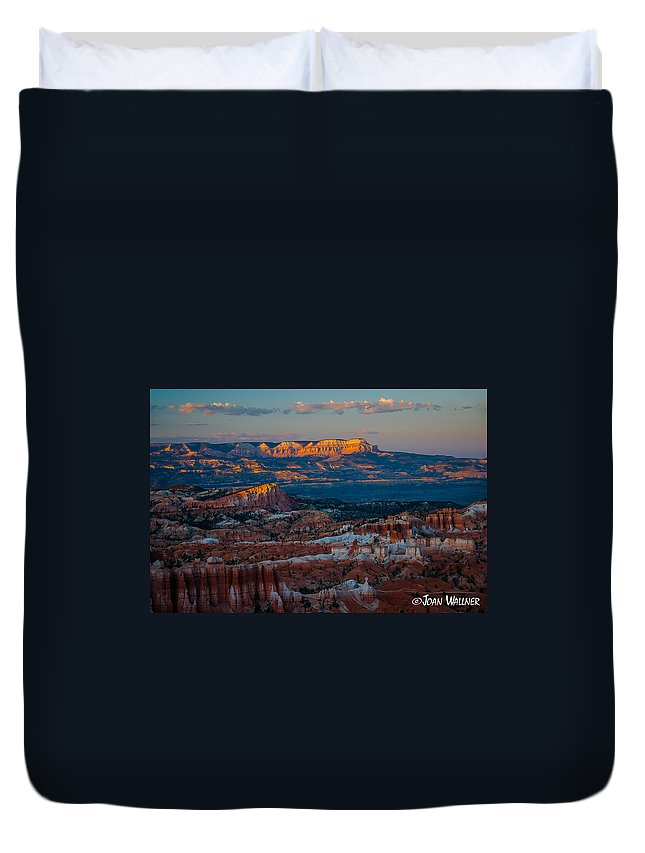 Bryce National Park Duvet Cover featuring the photograph Sinking Ship by Joan Wallner