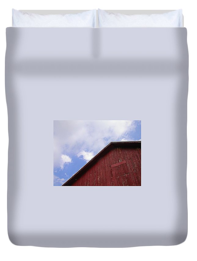 Barn Picture Duvet Cover featuring the photograph Sky And Barn by Cynthia Wallentine