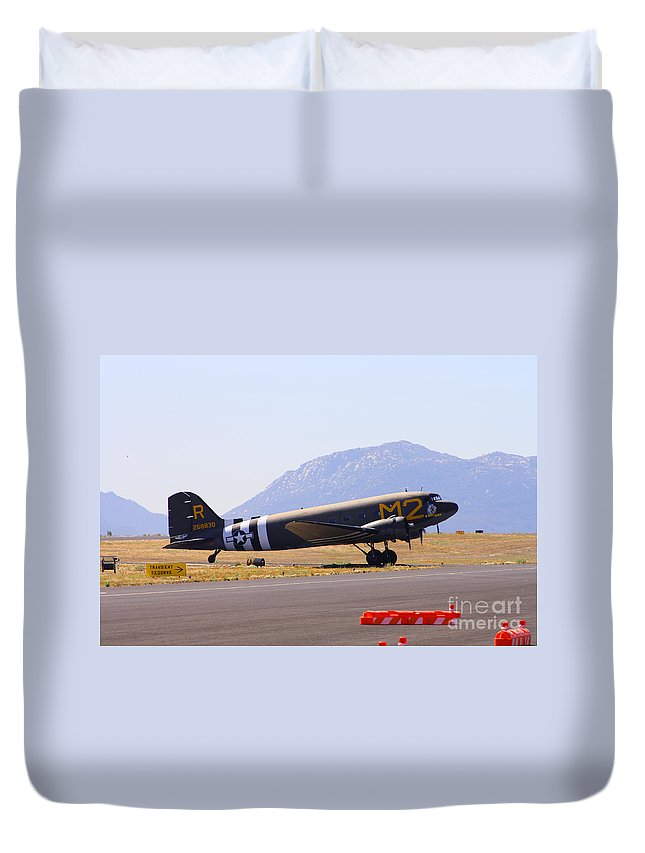 Douglas C-53 Skytrain Duvet Cover featuring the photograph Skytrain In French Valley by Tommy Anderson