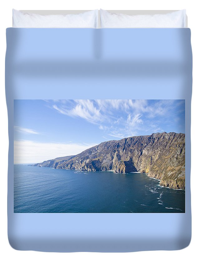 Sleive Duvet Cover featuring the photograph Sleive League On The West Coast Of Ireland by Bill Cannon