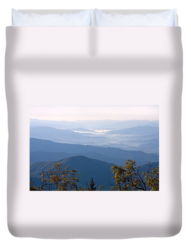 Mountain View Duvet Cover featuring the photograph Smoky Mountains From Clingmans Dome by Melinda Fawver