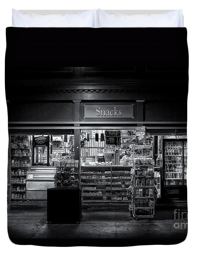 B+w Duvet Cover featuring the photograph Snack Shop Bw by Jerry Fornarotto