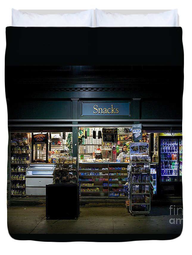 Beaux-arts Duvet Cover featuring the photograph Snack Shop by Jerry Fornarotto