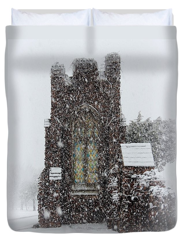 Rightfromtheart Duvet Cover featuring the photograph Snow by Bob and Kathy Frank