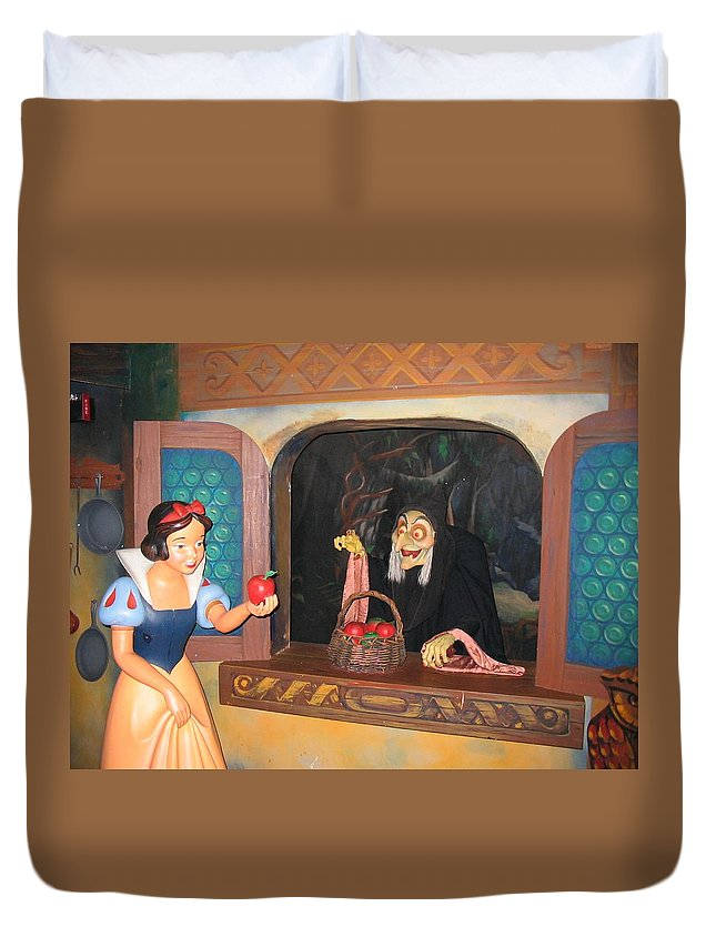 Snow White Duvet Cover featuring the photograph Snow White With Apple by Zina Stromberg