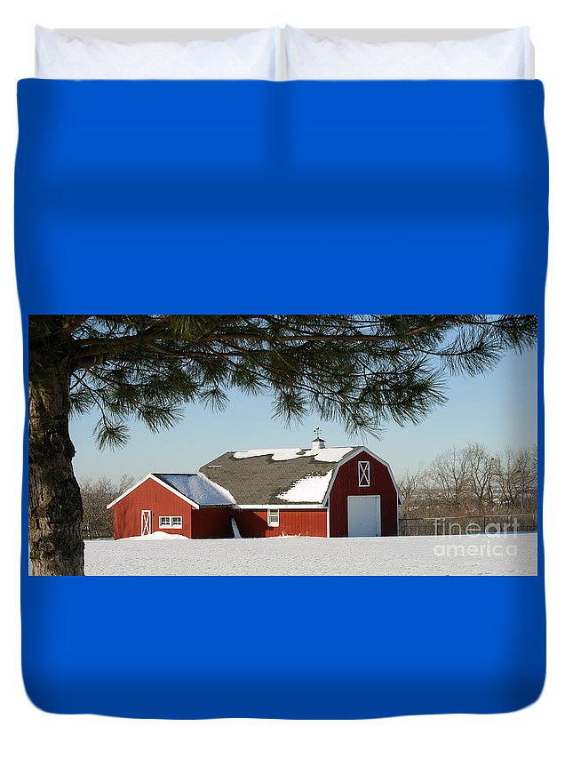 Barn Duvet Cover featuring the photograph Snowy Barn-0087 by Gary Gingrich Galleries