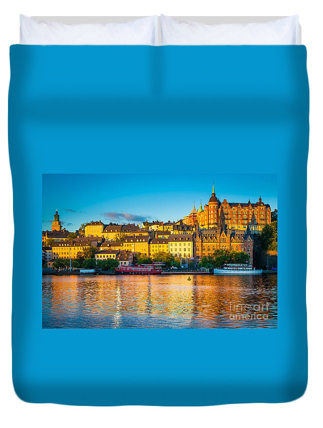 Europe Duvet Cover featuring the photograph Sodermalm Skyline by Inge Johnsson