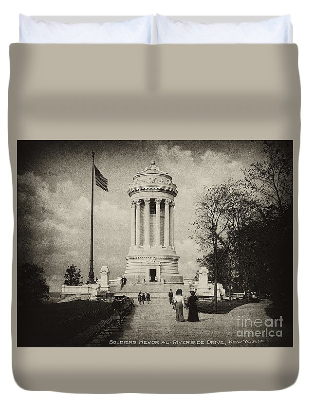 Soldiers Memorial Duvet Cover featuring the photograph Soldiers Memorial - Ny - Toned by Paul W Faust - Impressions of Light