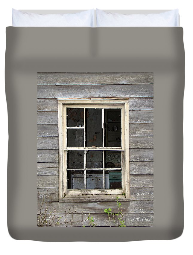 Hoonah Duvet Cover featuring the photograph Someone Use To Call This Home by Richard Rosenshein