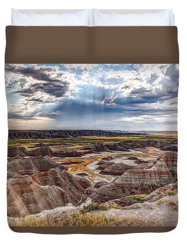 Sunshine Duvet Cover featuring the photograph Son Over The Badlands by Bill Lindsay