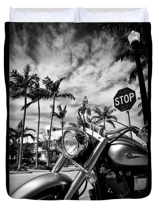 Bike Duvet Cover featuring the photograph South Beach Cruiser by Dave Bowman