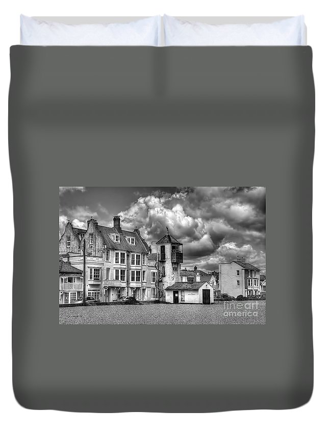 Aldeburgh Canvas Duvet Cover featuring the photograph South Lookout Tower Aldeburgh Black And White by Chris Thaxter