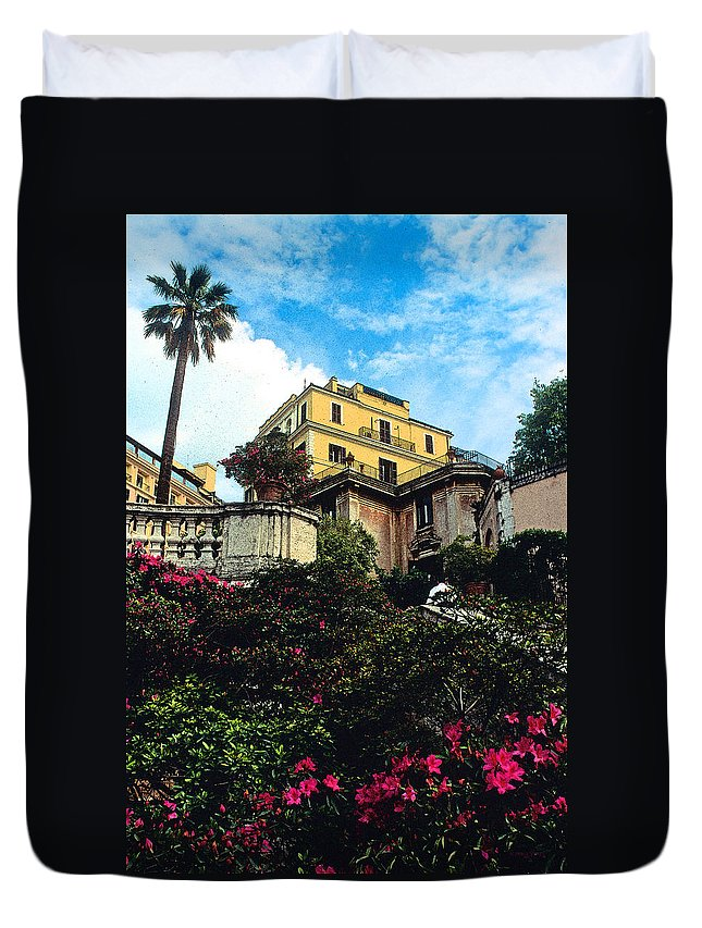 Spanish Steps Duvet Cover featuring the photograph Spanish Steps In Rome by Kathy Yates