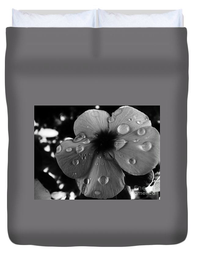 Duvet Cover featuring the photograph Speechless by Jessica Shelton