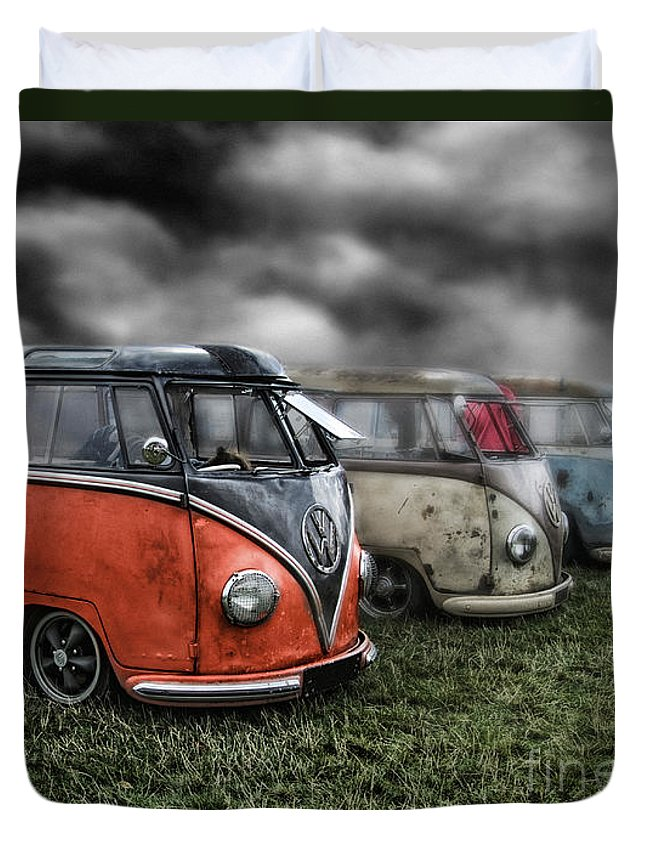 Volkswagen Duvet Cover featuring the digital art Splitty Rotters 2 by Linton Hart