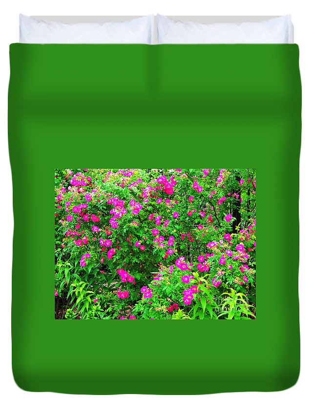 Spring Duvet Cover featuring the photograph Spring Blooms by Gary Richards