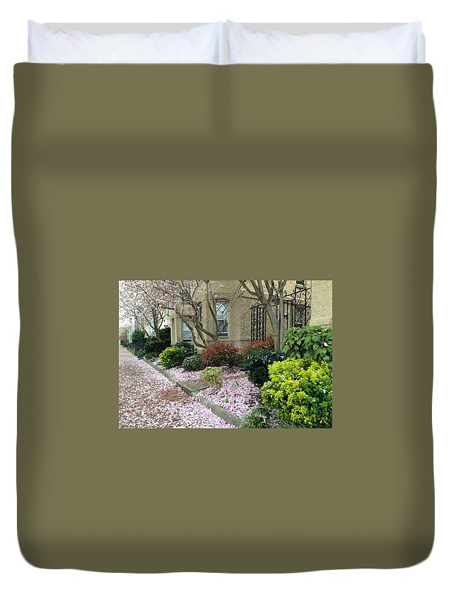 Capitol Hill Duvet Cover featuring the photograph Spring In Capitol Hill by Lois Ivancin Tavaf