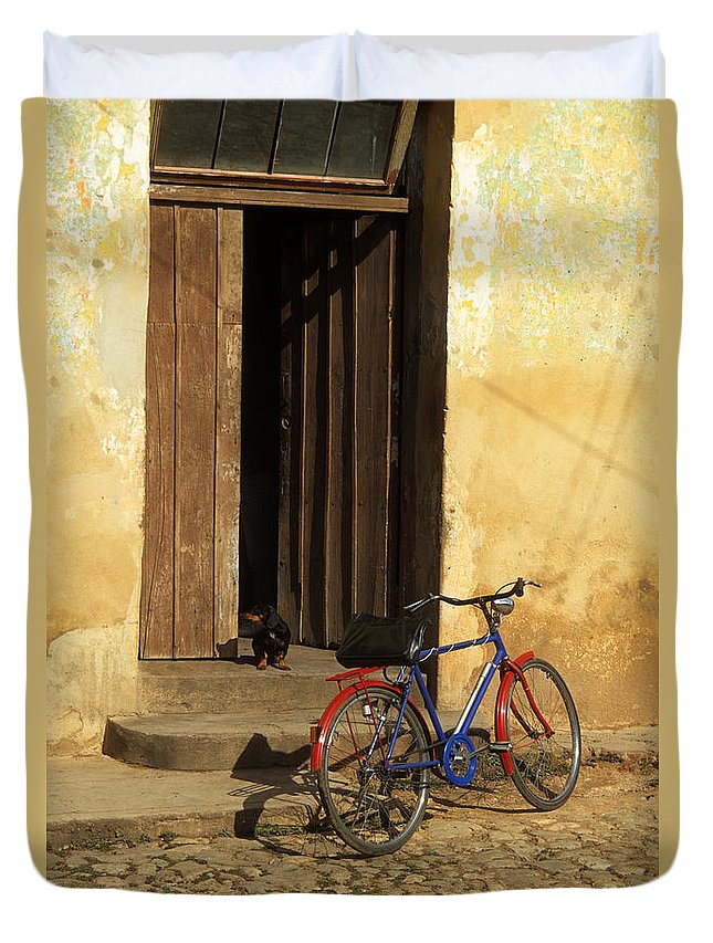 Cuba Duvet Cover featuring the photograph Standing Guard by James Brunker