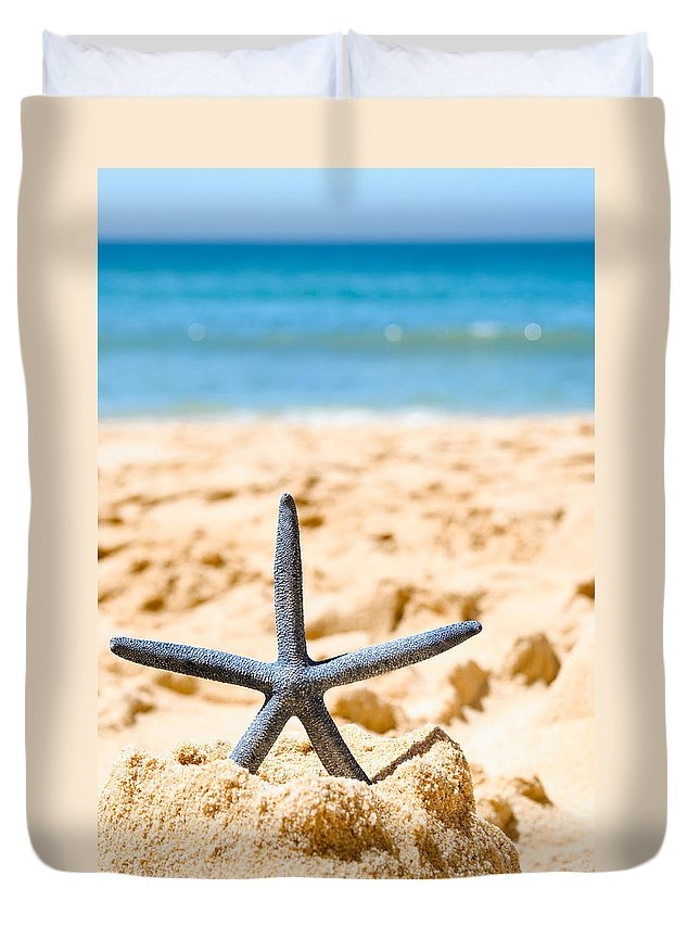 Starfish Duvet Cover featuring the photograph Starfish On Algarve Beach Portugal by Amanda Elwell