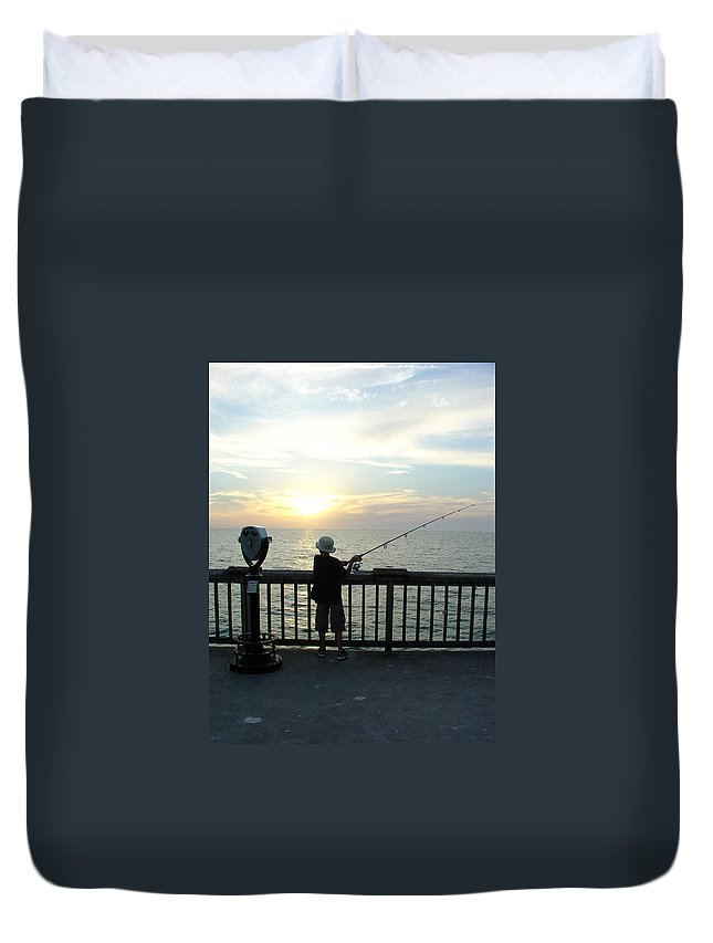 Clearwater Duvet Cover featuring the photograph Starting Young by David Nicholls
