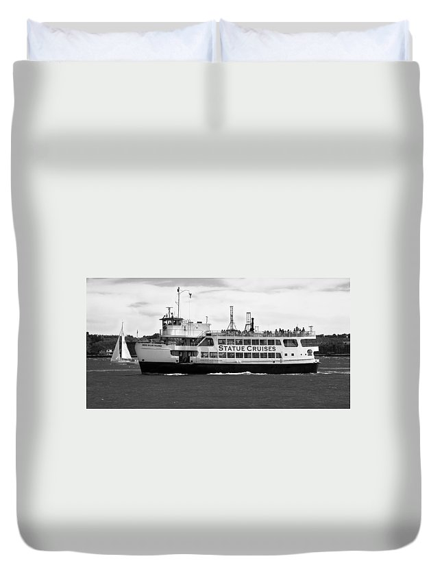 Statue Of Liberty Cruise Duvet Cover featuring the photograph Statue Cruise by Jatinkumar Thakkar
