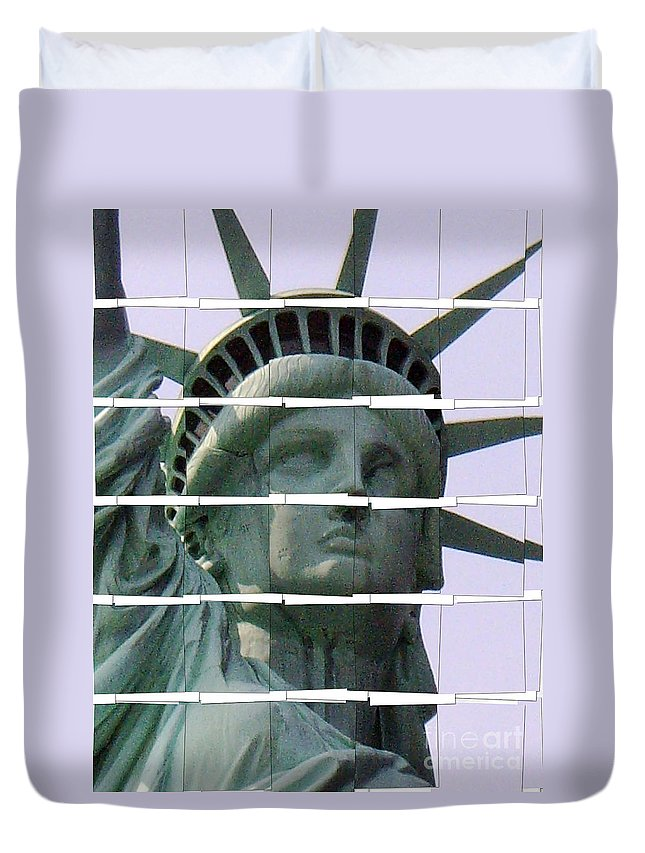 Duvet Cover featuring the photograph Statue Of Liberty by Bruce Bain