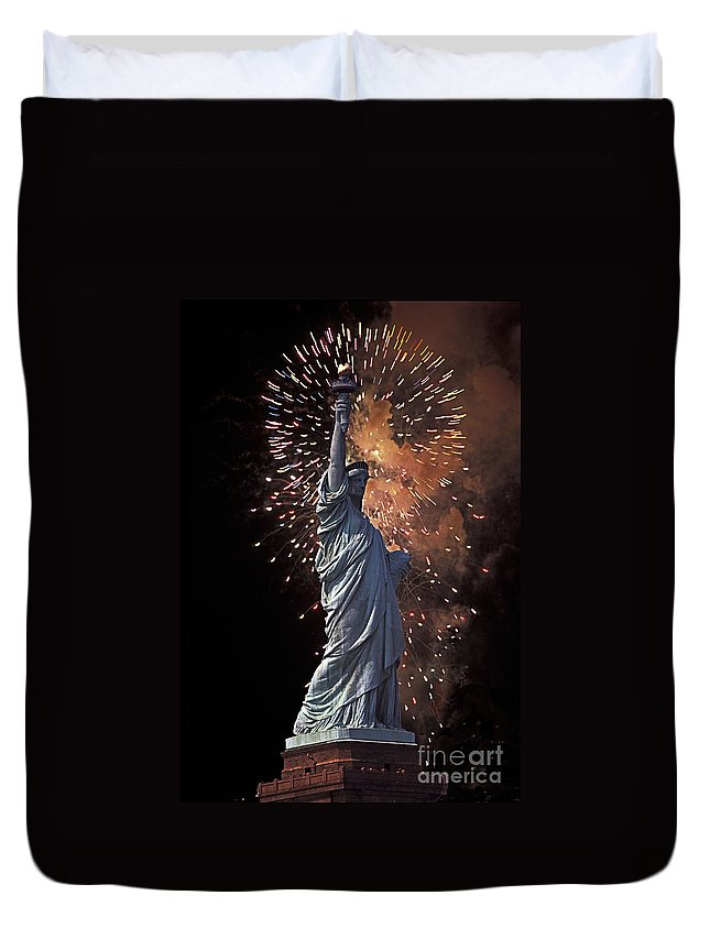 Statue Duvet Cover featuring the photograph Statue Of Liberty Fireworks by Bruce Bain