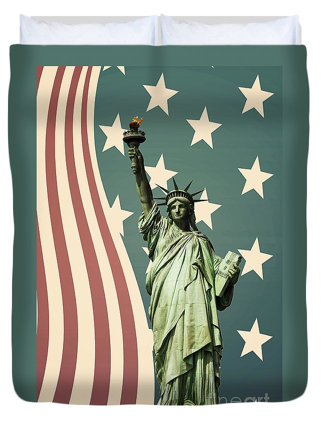 America Duvet Cover featuring the photograph Statue Of Liberty by Juli Scalzi