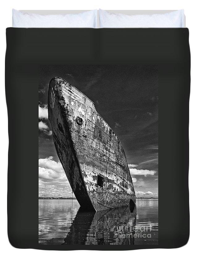Ship Duvet Cover featuring the photograph Still Proud by Jose Elias - Sofia Pereira