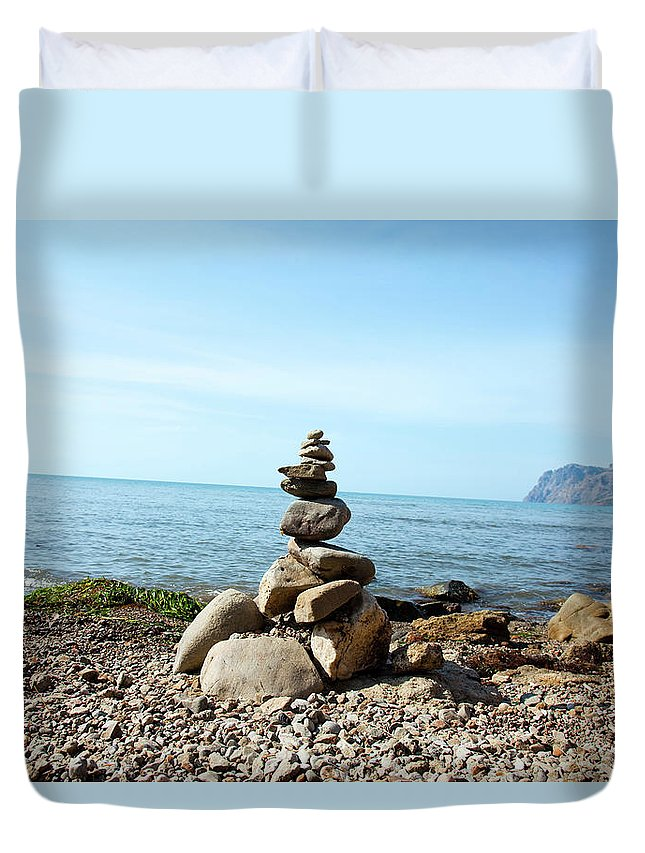 Heap Duvet Cover featuring the photograph Stone Tower On The Beach by Mashabuba