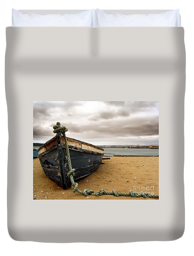 Boat Duvet Cover featuring the photograph Storm Is Comming by Jose Elias - Sofia Pereira