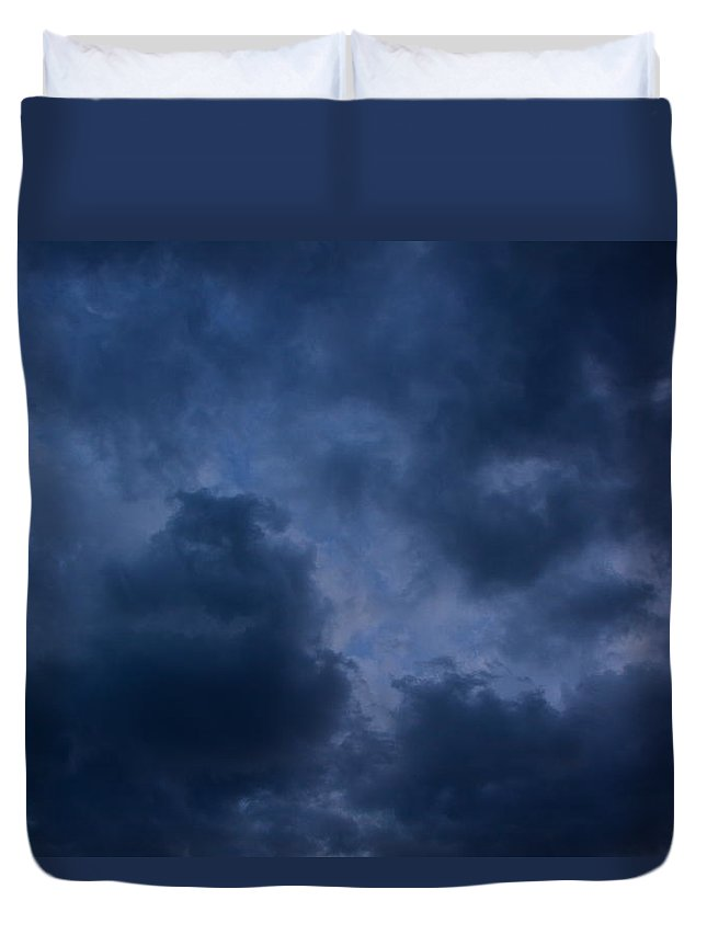 Storm Arrives Duvet Cover featuring the photograph Storm Roars by Raymond Salani III