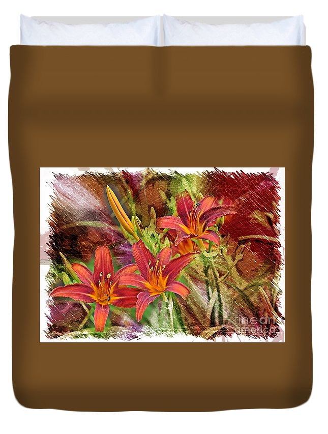Daylily Duvet Cover featuring the photograph Striking Daylilies - Digital Art by Carol Groenen