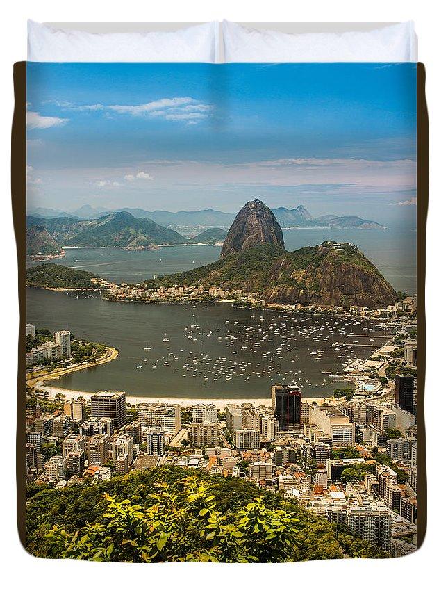 Brasil Duvet Cover featuring the photograph Sugar Loaf Mountain In Rio De Janeiro by Ernesto Santos