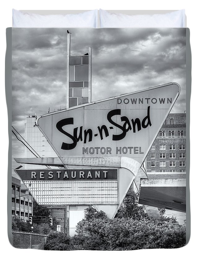 Clarence Holmes Duvet Cover featuring the photograph Sun-n-sand Motor Hotel II by Clarence Holmes
