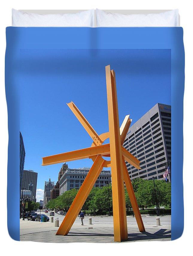 Milwaukee Duvet Cover featuring the photograph Sunburst Full by Anita Burgermeister