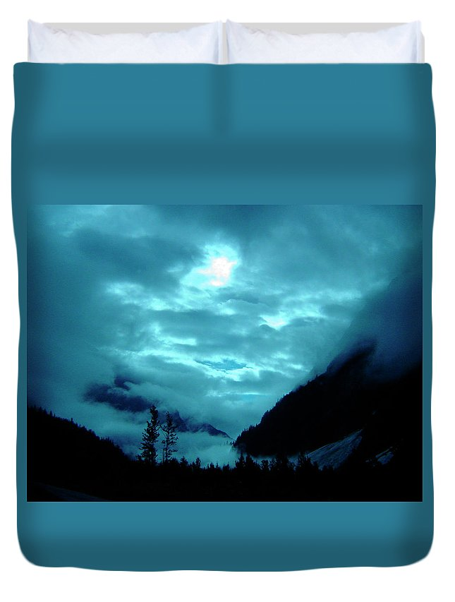 Clouds Duvet Cover featuring the photograph Sunday Morning by Jeremy Rhoades