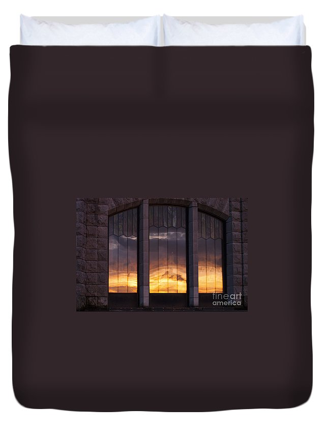 Columbia River Gorge Oregon Sunset Sunsets Windows Window Reflection Building Buildings Structure Structures Reflections Stone Stones Vertical Line Horizontal Lines Late Evening Cloud Clouds Architecture Duvet Cover featuring the photograph Sundown by Bob Phillips
