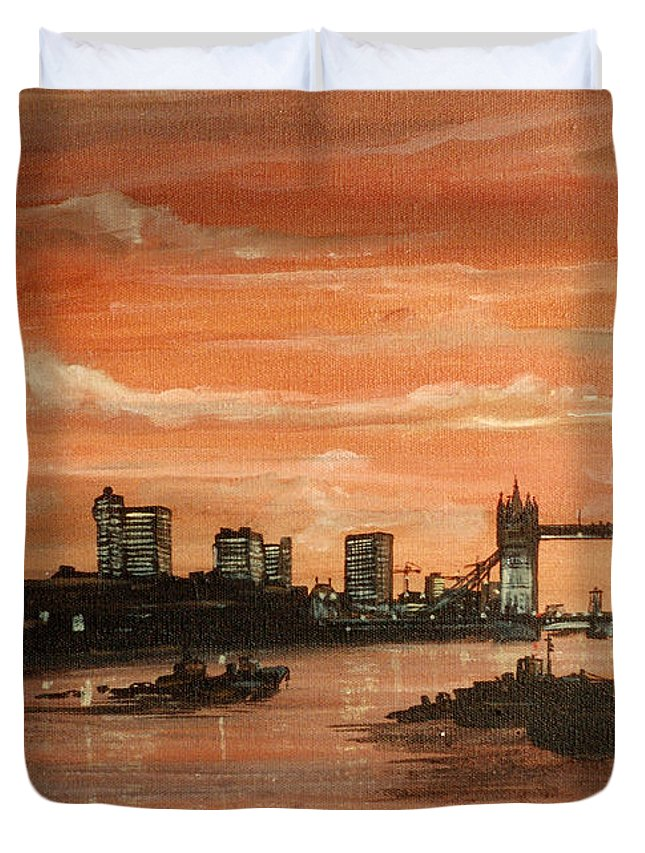 Tower Bridge Duvet Cover featuring the painting Sundown Over Tower Bridge London by Mackenzie Moulton