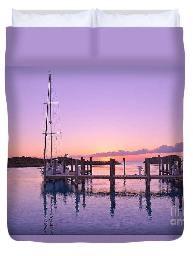 Sea Duvet Cover featuring the photograph Sundown Serenity by Jola Martysz
