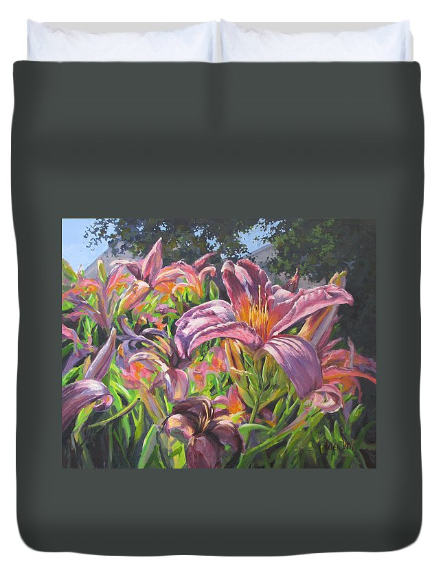 Acrylic Duvet Cover featuring the painting Sunny Daylilly by Karen Ilari