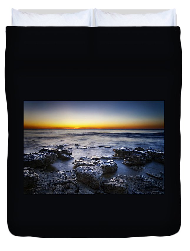 Sun Duvet Cover featuring the photograph Sunrise At Cave Point by Scott Norris