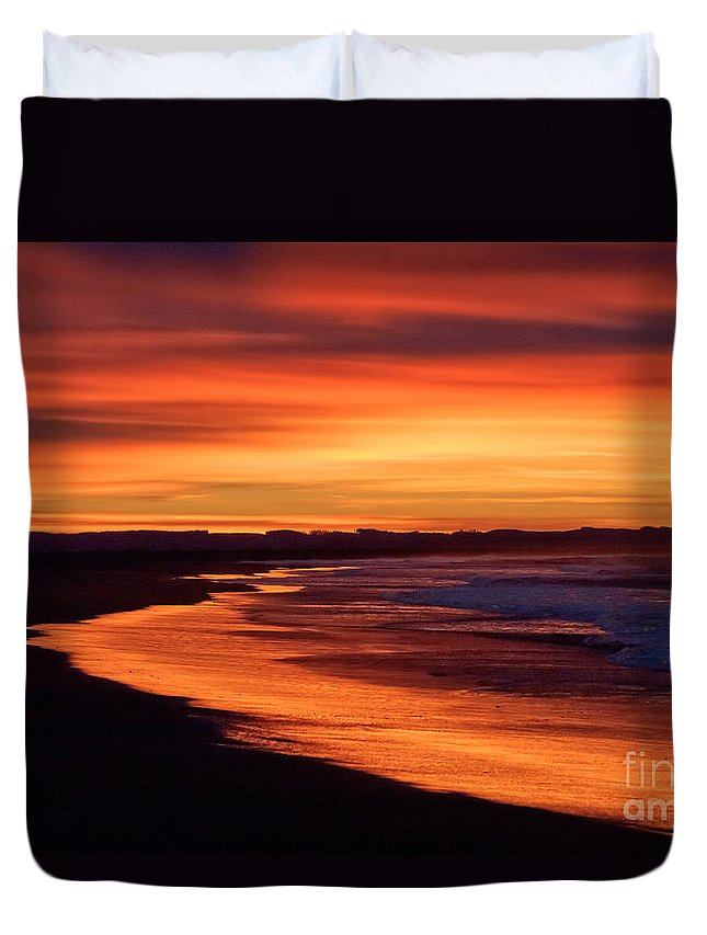 Beach Duvet Cover featuring the photograph Sunrise At Damon Point by Anthony Mercieca