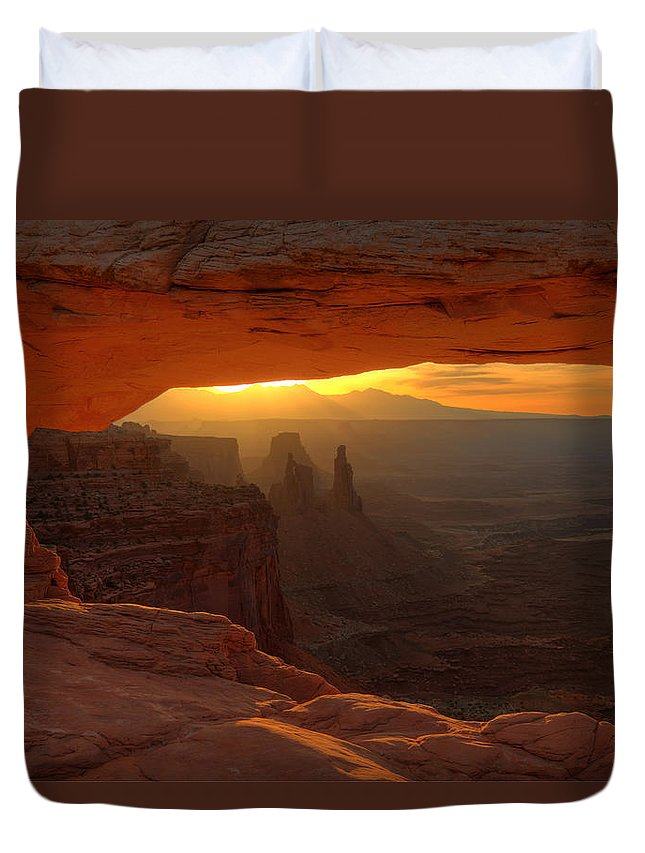Nature Duvet Cover featuring the photograph Sunrise At Mesa Arch 2 by Alan Ley