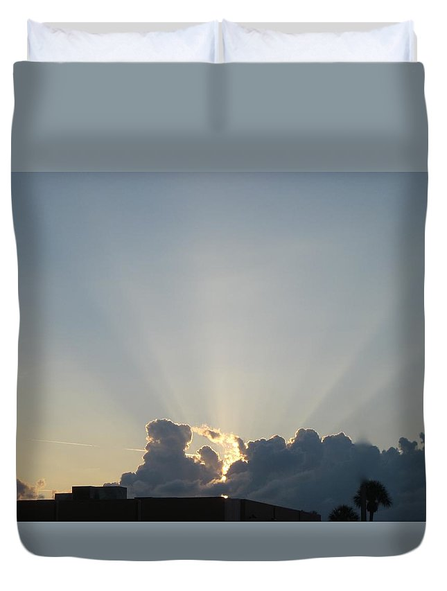 Sunrise Duvet Cover featuring the photograph Sunrise With Sunbeams by Janet K Wilcox
