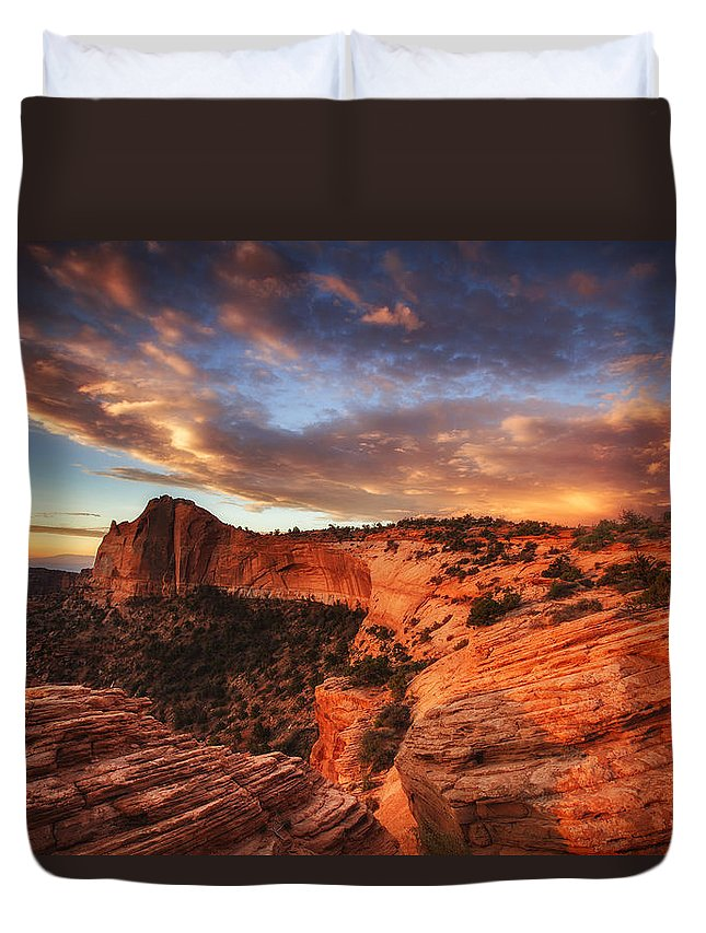 Sunrise Duvet Cover featuring the photograph Sunrise Over Canyonlands by Darren White